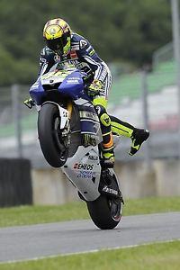 Rossi e Yamaha, lo scontro eterno