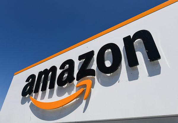 Amazon assume personale