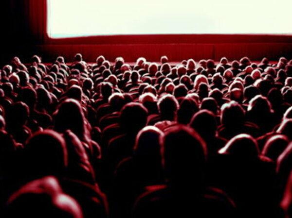 STOP al distanziamento nei Cinema italiani